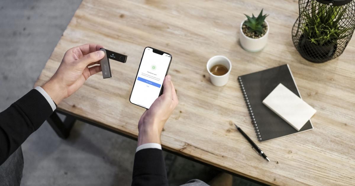 Hardware Wallet Maker Ledger Adds DeFi Support to Mobile App